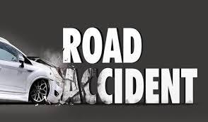 सड़क दुर्घटना में कार सवार माँ बेटी घायल