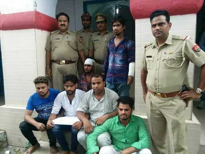 अलीगढ़,ऊपरकोट क्षेत्र में पुलिस पर पथराव करने वाले छः युवक गिरफ्तार।