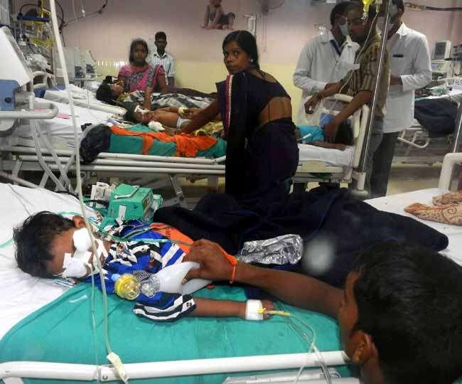 गोरखपुर में बच्चों की मौत के लिए ऑक्सीजन सप्लायर ने बताया हॉस्पिटल के प्रिंसिपल को दोषी