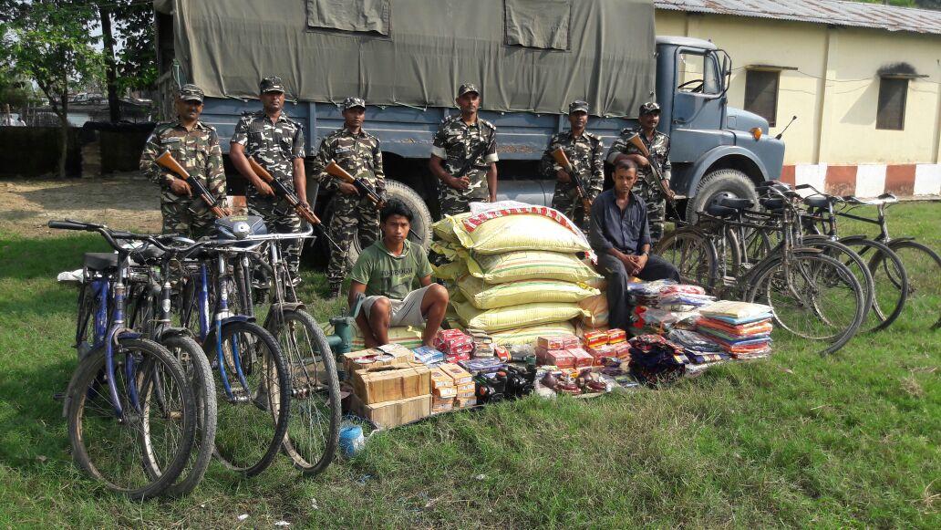 चन्दन चौकी सशस्त्र सीमा बल ने पकडा लाखों का माल सहित दो गिरफ्तार।