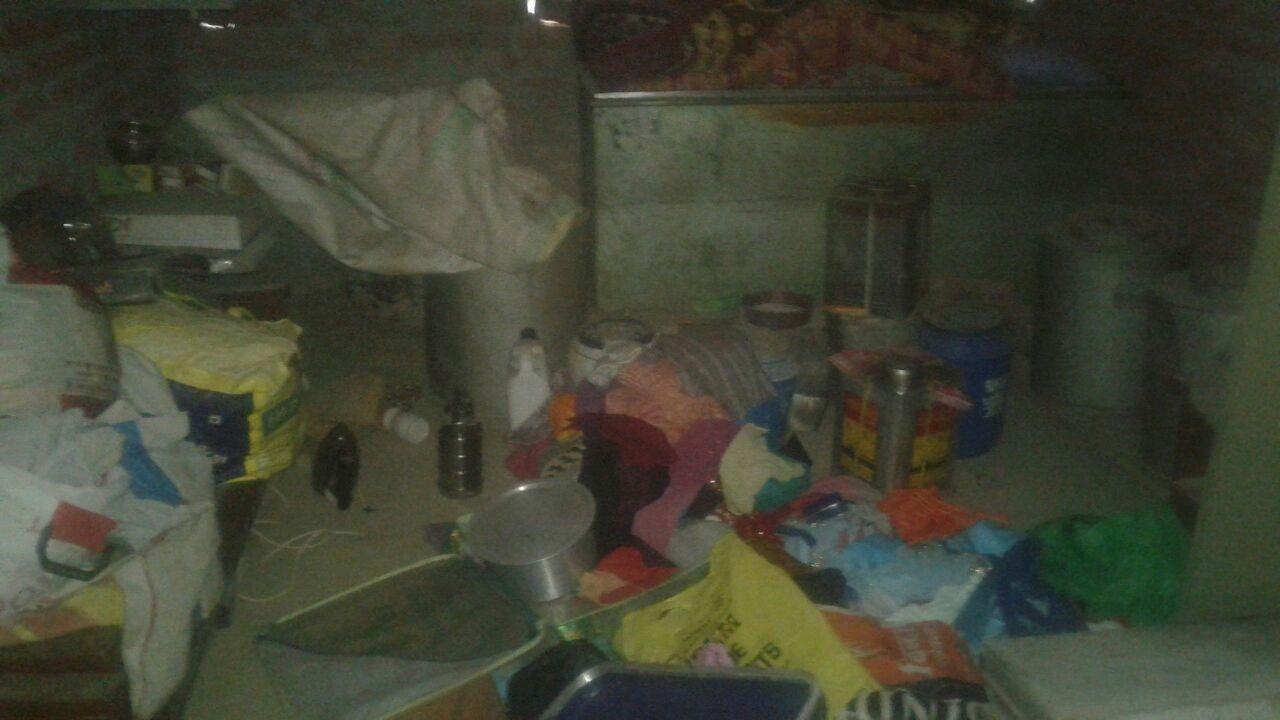 सिंगाही में नाकाब पोश बदमाशों ने एक ही गांव में दो घरों में असलहे की नोक पर बंधक बनाकर की लूट।