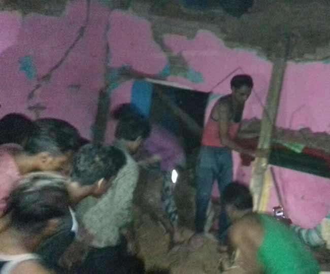 अलीगढ़ के गोपाल धाम मंदिर के पास तेज विस्फोट से मकान गिरा, छह लोग दबे
