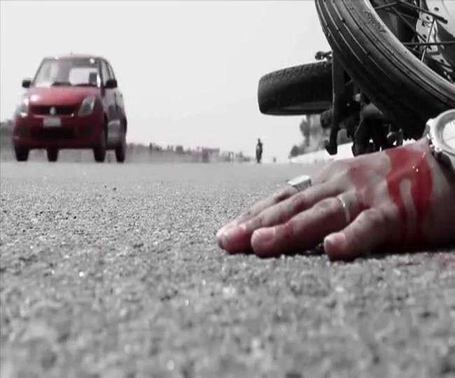 कुशीनगर में ट्रक की चपेट में आने से पूर्व ग्राम प्रधान की मौत