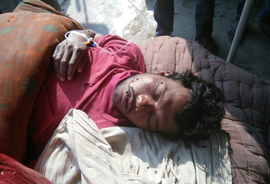 लखीमपुर खीरी नदी में नाव से गिरने पर नाविक की हालत गंभीर