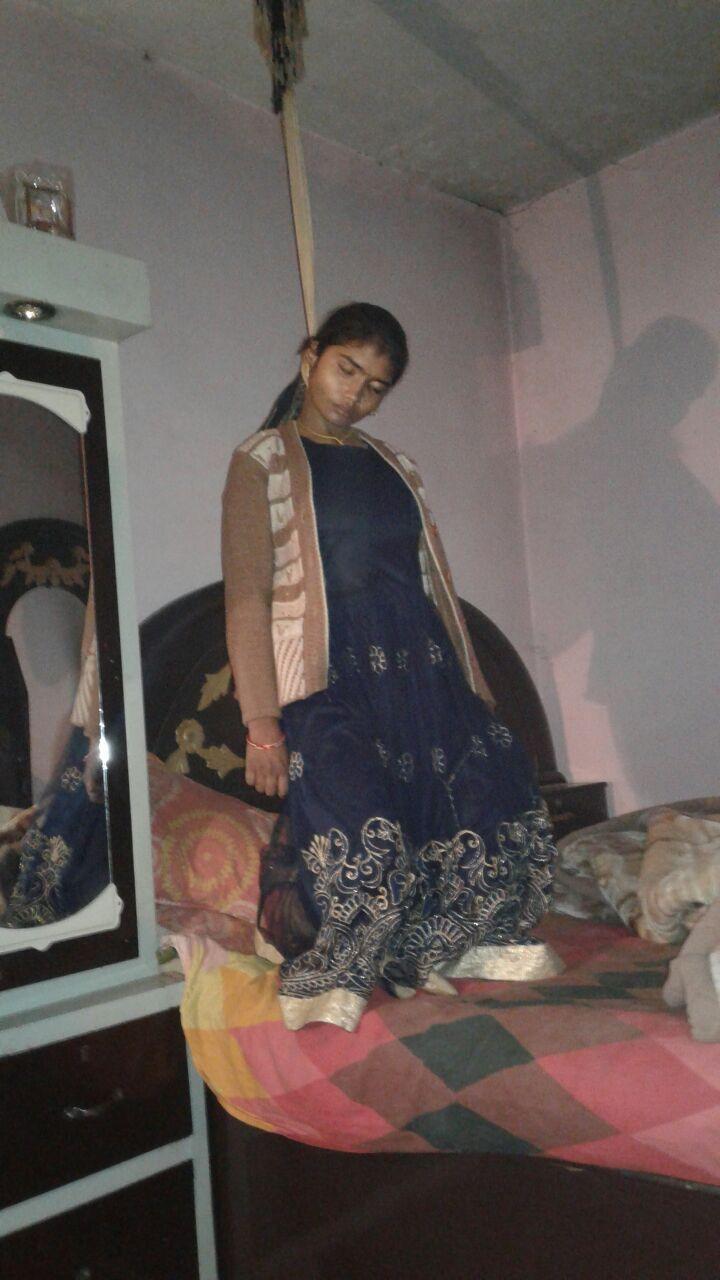 लखीमपुर खीरी थाना फूल बेहड़ क्षेत्र के अंतर्गत ग्राम ततारपुर मैं एक नवविवाहिता ने आत्महत्या कर जान दे दी