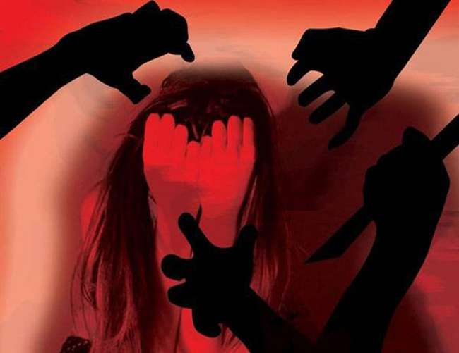 बिजनौर मे सामूहिक दुष्कर्म पीडि़ता ने FACEBOOK पर वीडियो जारी कर दी आत्महत्या की चेतावनी