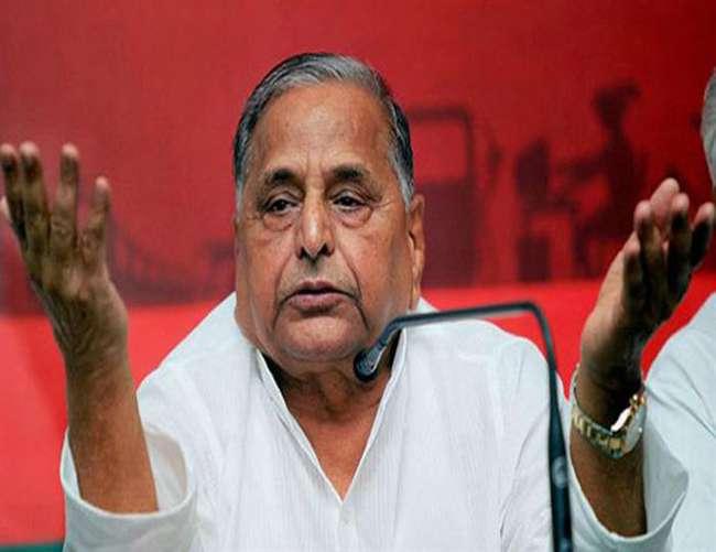 मुलायम सिंह यादव ने कहा प्रधानमंत्री को नीच कहा जाना गलत, सपा में होते तो निकाल देता