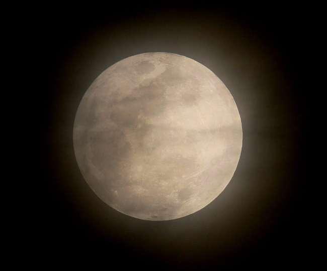 चंद्रग्रहण के समय मंगला आरती के बाद यूपी के तमाम मंदिरों के पट बंद