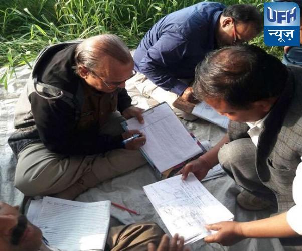 अलीगढ़ में कॉलेज प्रबंधक के घर लिखी जा रही थी कॉपियां, 58 सॉल्वर गिरफ्तार