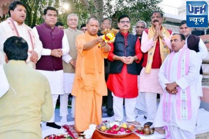 मथुरा मे ईद मनाने के सवाल पर बोले CM योगी- मैं हिन्दू हूं, मुझे भी धार्मिक स्वतंत्रता का अधिकार