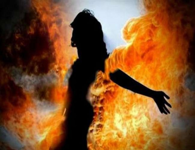 बलिया में दलित महिला को जलाने के मामले में कांग्रेस ने की सख्त कार्रवाई की मांग