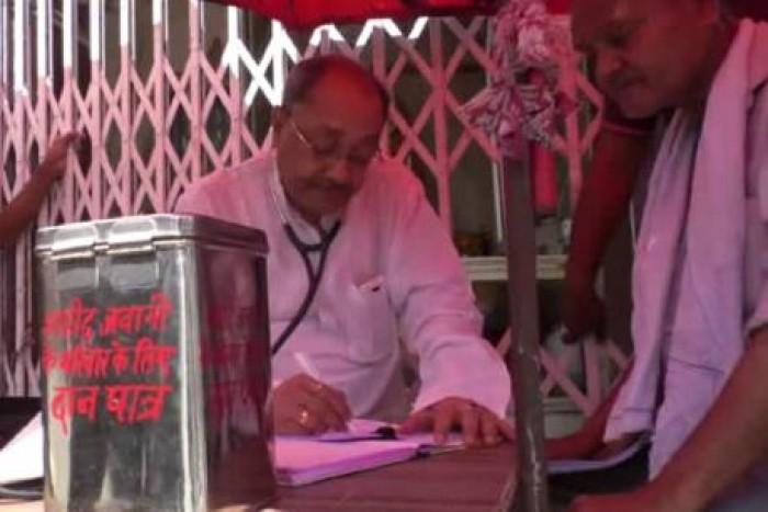 मिलिए कानपुर के 'मसीहा' डॉक्टर से, जिनका जिक्र खुद पीएम मोदी ने मन की बात में किया