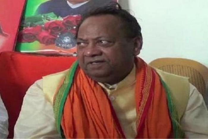 बीजेपी सांसद हरिनारायन राजभर ने मंत्री अनुपमा के खिलाफ पत्र लिखने से किया इनकार