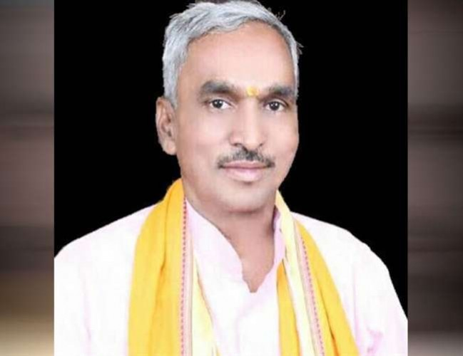 विधायक सुरेंद्र सिंह अपनी ही सरकार के खिलाफ धरना देंगे