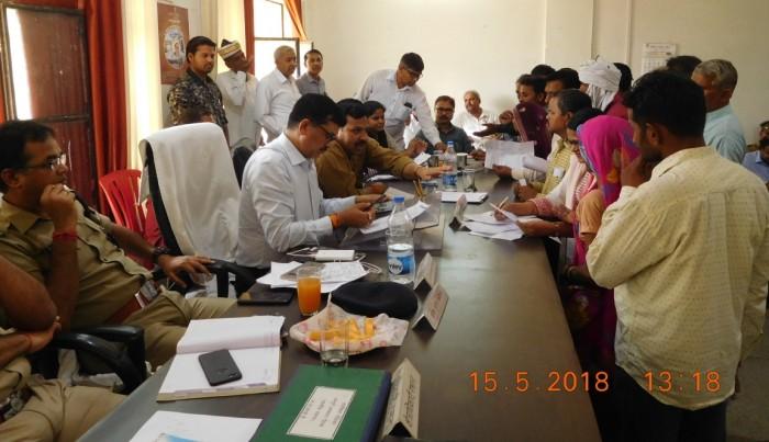 अलीगढ़ प्रभारी डीएम दिनेश चन्द्र की अध्यक्षता में गभाना मेंसम्पूर्ण समाधान दिवस सम्मन्न