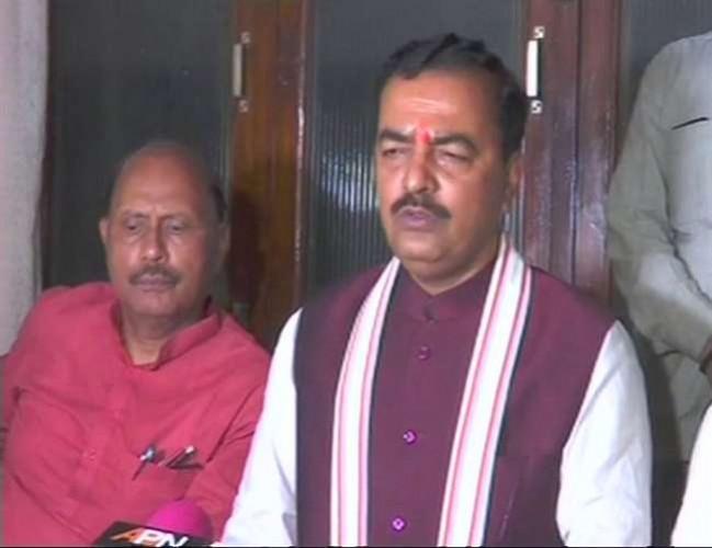 वाराणसी पहुंचे उप मुख्यमंत्री केशव प्रसाद मौर्य ने चार को किया निलंबित, तीन सदस्यीय जांच कमेटी गठित