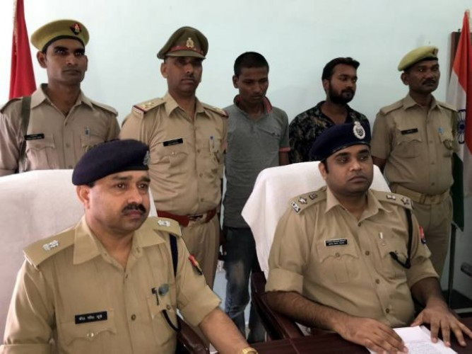 अमेठी पुलिस ने बरामद किए लूट के सामान