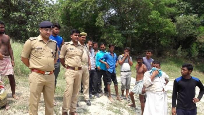 जौनपुर मे लापता छात्रा की तीसरे दिन नदी में मिली लाश