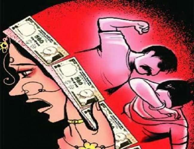 जौनपुर मे ससुरालीजनों ने महिला की जीभ लोहे के राड से दागी, सास सहित तीन पर मुकदमा