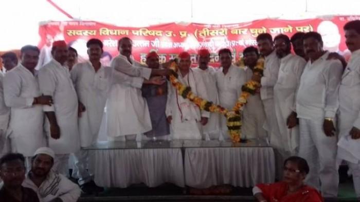गोरखपुर मे नरेश उत्तम पटेल ने कहा लोकतंत्र की मजबूती के लिए बैलेट पेपर पर चुनाव जरूरी