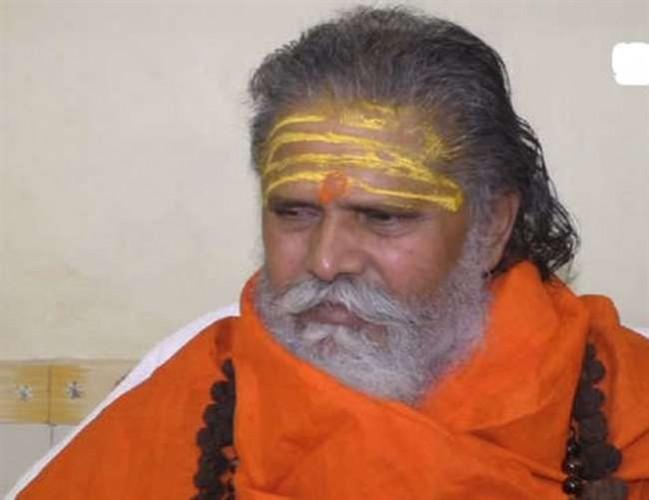 महंत नरेंद्र गिरि ने कहा है कि जब तक दाती महाराज दोषी नहीं साबित होते तब तक अखाड़ा परिषद उनके साथ