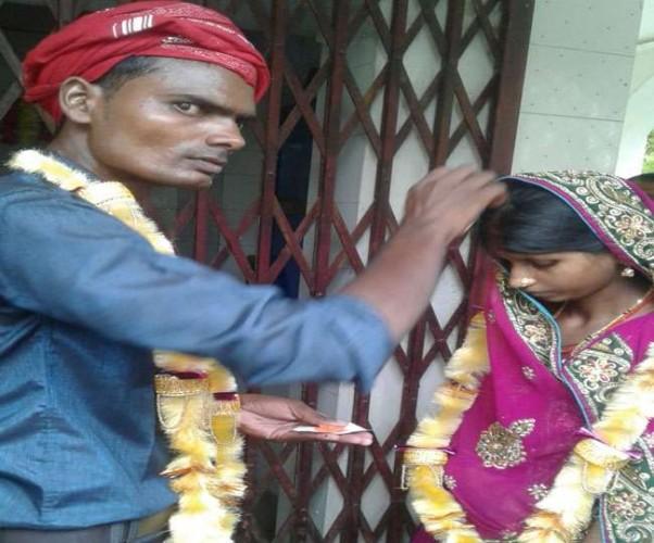 बलिया मे बेटे की मौत के बाद विधवा बहू का सास ने किया कन्यादान