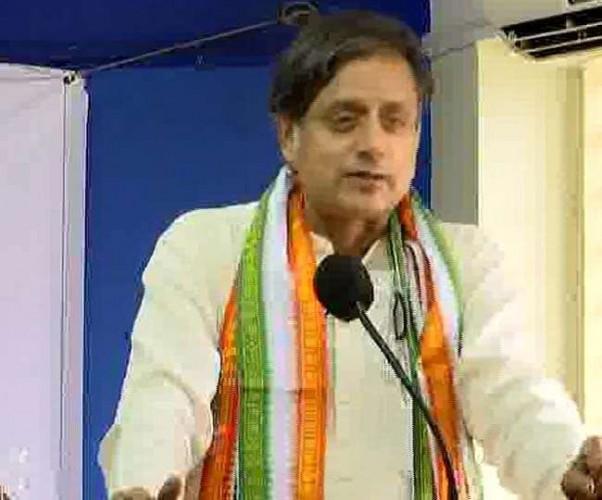 यदि BJP जीती तो देश हिंदू पाकिस्तान बन जाएगा, भाजपा ने किया पलटवार: शशि थरूर
