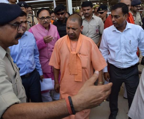 आजमगढ़ और वाराणसी में मोदी रैली की तैयारियां मुख्यमंत्री ने योगी आदित्यनाथ ने परखीं
