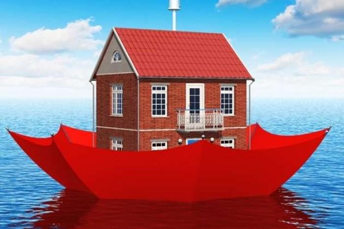 समझिए घर की आर्थिक सुरक्षा के लिए होम इंश्योरेंस पालिसी लेना क्यों है जरूरी