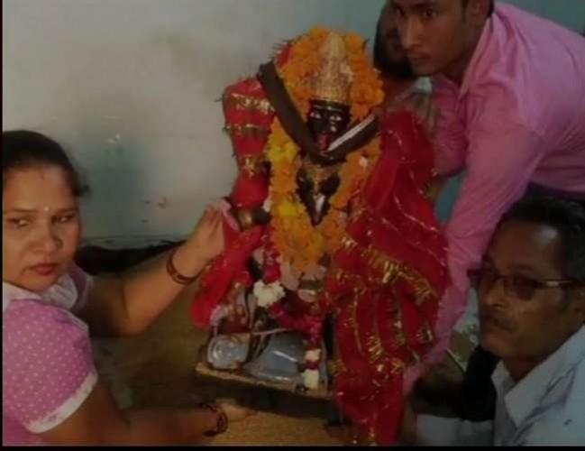 मेरठ के इंचोली थाना क्षेत्र के एक गांव में मां काली की मूर्ति स्थापना से रोकने पर 50 परिवारों ने दी धर्म परिवर्तन की धमकी