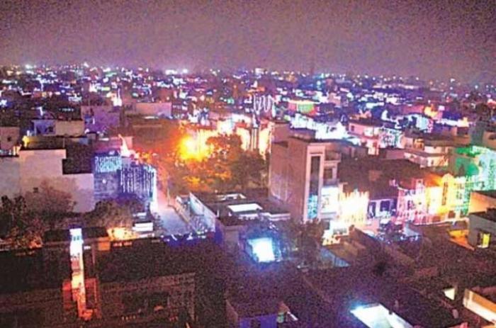 दीपावली में रोशनी से नहाया रामपुर