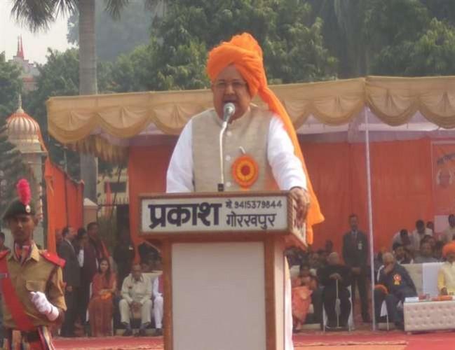 गोरखपुर में छत्तीसगढ़ के मुख्यमंत्री डॉ. रमन सिंह ने कहा  कड़ी मेहनत करें विद्यार्थी, इसका कोई विकल्प नहीं होता