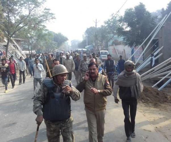 जिला बुलंदशहर के औरंगाबाद में सांड काटने का प्रयास, गांव में फोर्स तैनात