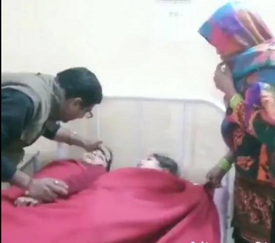 मथुरा के मांट मैं टीकाकरण के बाद हुई 15 बच्चों की तबीयत खराब