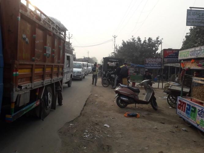आखिर कब हटेगा जहांगीरपुर में अतिक्रमण नगर पंचायत व प्रशासन लापरवाह