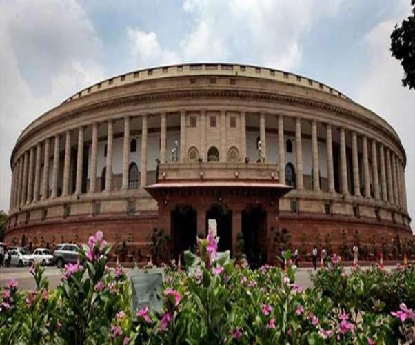 संसद के हंगामे से अटक सकता है स्कूली शिक्षा में सुधार की रफ्तार का बिल