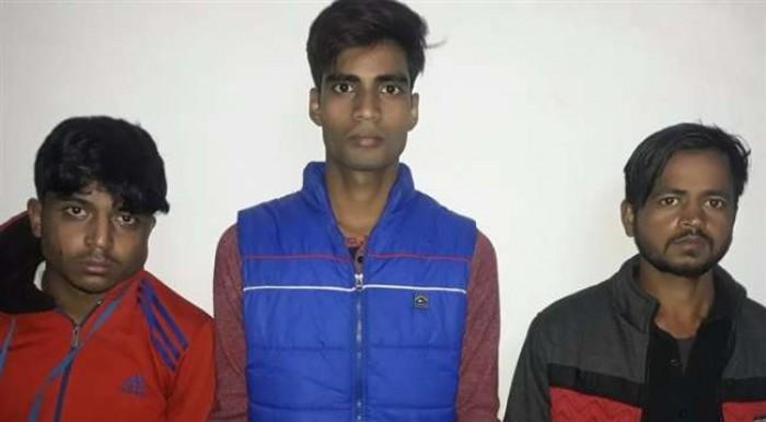 कल्याणपुर में एसटीएफ ने रेलवे परीक्षा में दो सॉल्वर समेत तीन शातिरों को किया गिरफ्तार