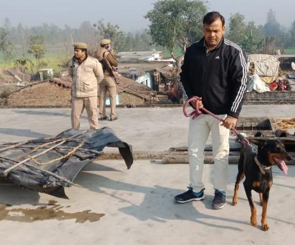 पीलीभीत जहानाबाद थाना क्षेत्र मे परिवार के पांच लोग रात खा-पीकर सोए लेकिन सुबह सूरज चढ़ने तक नहीं उठे