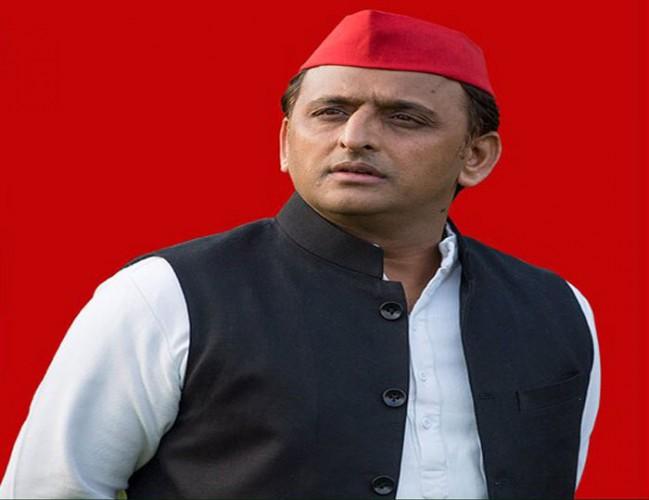 समाजवादी पार्टी अध्यक्ष अखिलेश यादव ने कहा कि बेकाबू होते जन विरोध ने भाजपा का सिर ओखली में पहुंचा दिया
