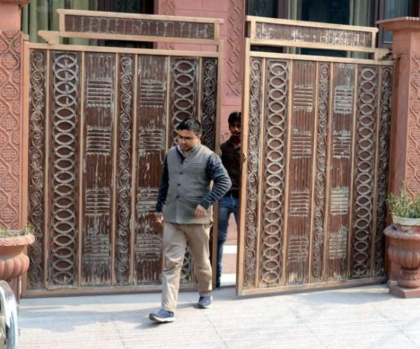 जिला कानपुर में कांग्रेस के पूर्व विधायक अजय कपूर के भाई के ठिकानों पर ईडी का छापा
