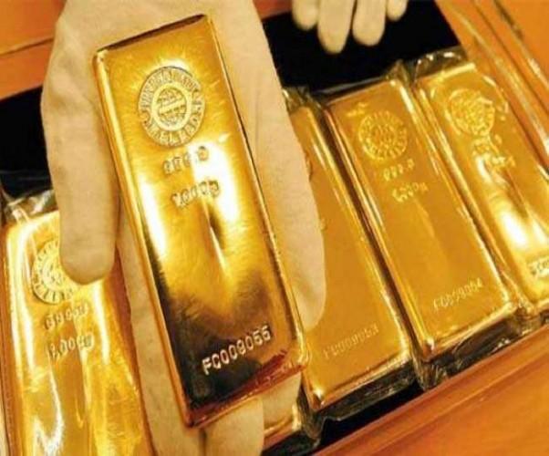 लखनऊ एयरपोर्ट पर पकड़ा गया तस्करी का सोना, बिजली के तारों में ढलवाकर लाया जा रहे थे गिरफ्तार