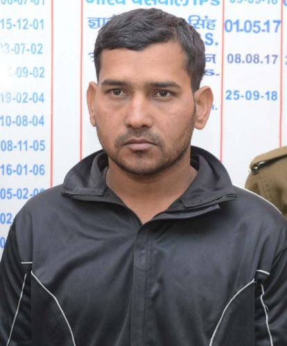 कानपुर मे कैबिनेट मंत्री की बहू से हार लूटकर गर्लफ्रेंड से कहा, तगड़ा हाथ लगा है और चढ़ गया पुलिस के हत्थे