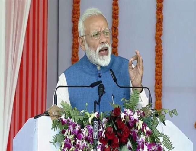 वाराणसी मे पीएम नरेंद्र मोदी ने कहा- भ्रष्टाचारी व बेईमान को न्यू इंडिया में जगह नहीं