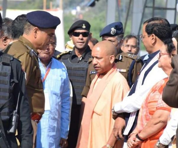 कानपुर में सीएम योगी ने पीएम मोदी के दौरे की तैयारियां परखीं, रैली स्थल पर ही मीटिंग