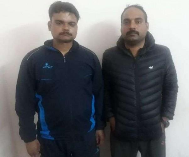 राजधानी लखनऊ मेँ पुलिस वालों ने कोयला व्यापारी के घर में डाली डकैती, दो दारोगा गिरफ्तार