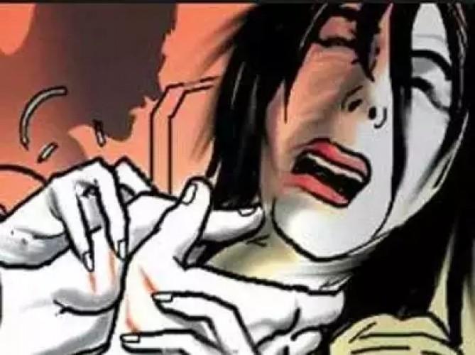 कानपुर के खाली प्लॉट में बल्ली से बांधकर युवती की निर्मम हत्या, तेजाब डालकर जला दिया चेहरा