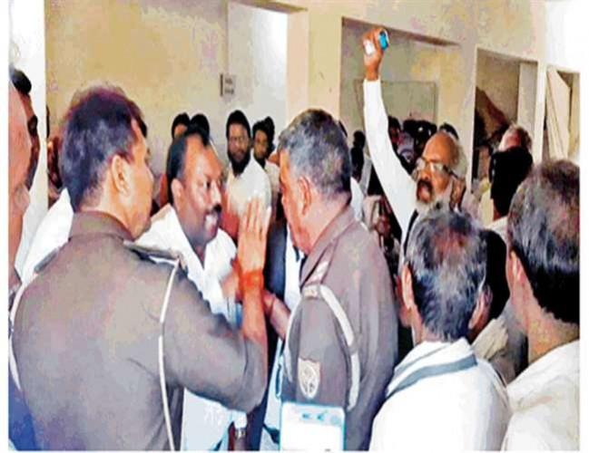जिला प्रतापगढ़ में बसपा लोकसभा प्रभारी सहित 68 के खिलाफ आचार संहिता के उल्लंघन का मामला दर्ज
