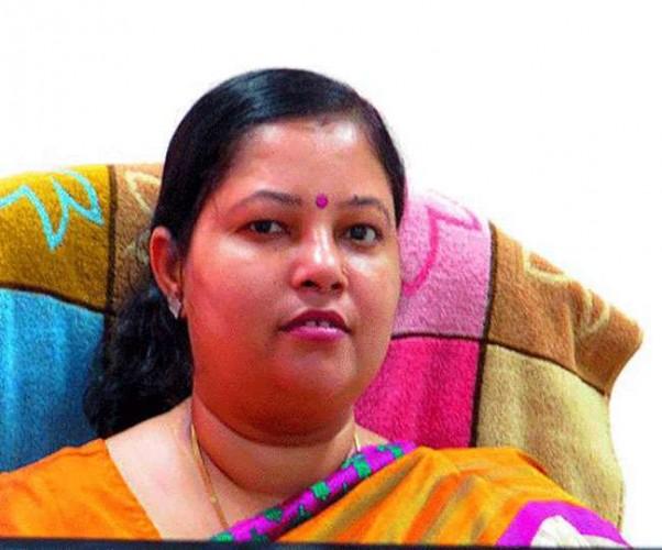 अखिलेश सरकार में मंत्री रहीं अरुण कुमार कोरी ने भी छोड़ा सपा का साथ, शिवपाल की पार्टी में हुईं शामिल