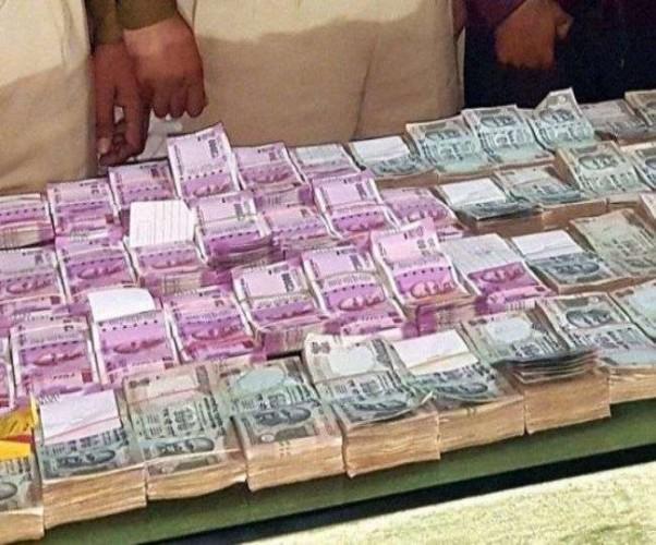 लखनऊ के ओमेक्स रेजीडेंसी डकैती मे आरोपित मधुकर के पास से 12.86 लाख रुपये बरामद