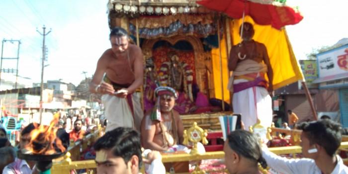 सोने की पूर्ण कोठी में विराजमान होकर भगवान श्रीगोदारंगमन्नार ने अपने भक्तों को दिए दर्शन